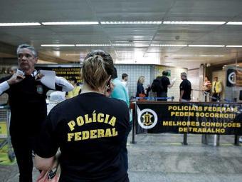 Agentes da PF farão operação padrão nos aeroportos - Foto: Adriano Vizoni | Folhapress