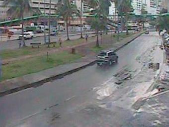 Apesar da chuva, trânsito está livre na Centenário - Foto: Reprodução   Transalvador