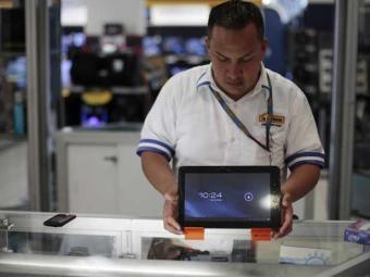 Livrarias e editoras acreditam que os e-books ganharão espaço no mercado nacional em 2012 e 2013 - Foto: Jorge Dan Lopez | Agência Reuters