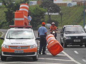 Maus hábitos podem acarretar em multas para o condutor - Foto: Lúcio Távora | Ag. A TARDE