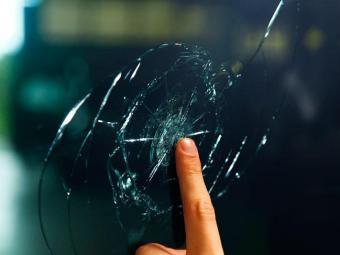 A blindagem também é feita nos vidros do veículo - Foto: Divulgação