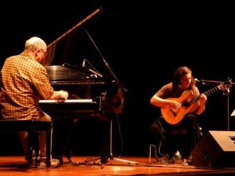Dupla apresenta repertório de música brasileira - Foto: Caixa   Divulgação