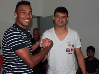 Novo contratado foi recepcionado pelo concorrente William: disputa sadia - Foto: Francisco Galvão / Divulgação