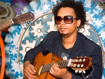 Cantor vai animar a festa Samba de Véspera - Foto: Valéria Simões   Divulgação