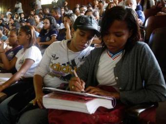 Aulões têm objetivo de preparar estudantes para Enem - Foto: Lúcio Távora | Ag. A TARDE
