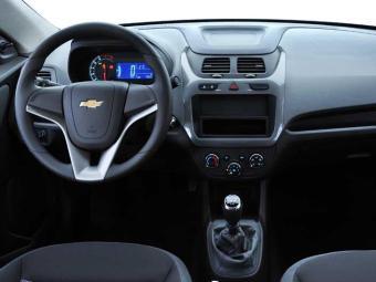 O volante é de couro na versão LT automática e todas da LTZ - Foto: Divulgação