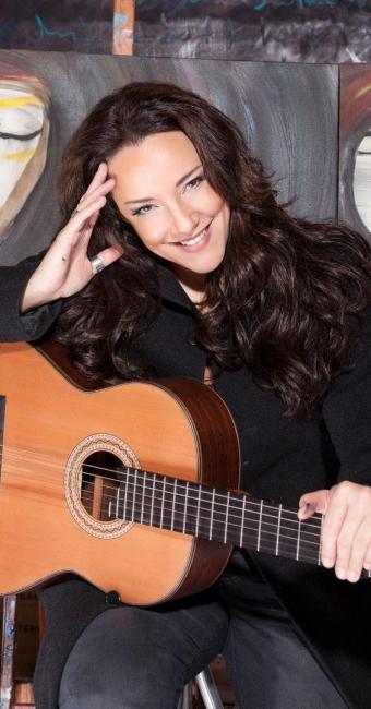 Cantora se apresenta na Concha Acústica e expõe telas no TCA - Foto: Nelson Faria | Divulgação