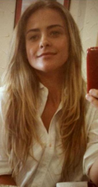 Juliana silveira está com os cabelos compridos para viver a mocinha Isabel - Foto: Reprodução   Instagram