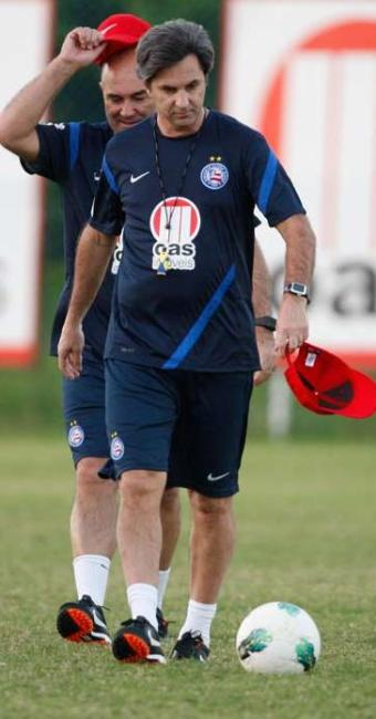 Treinador tricolor encerra preparação com treino tático exclusivo para titulares - Foto: Lúcio Távora   Agência A TARDE