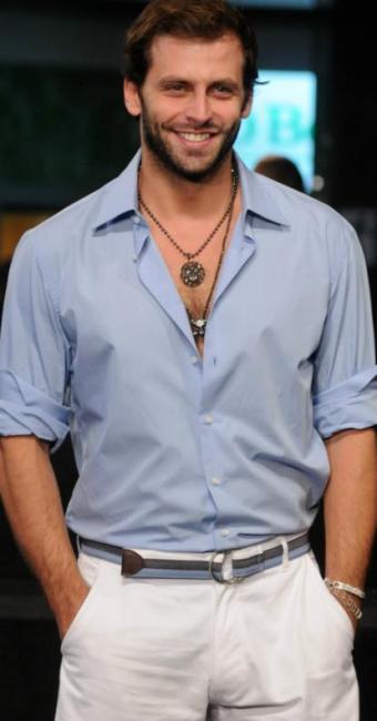 O ator Henri Castelli fará a festa junto com o baiano Luís Miranda - Foto: Débora Paes | Divulgação