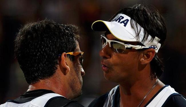 Ricardo e Pedro Cunha derrotaram os espanhóis Herrera e Gavira por dois sets a zero - Foto: Marcelo del Pozo / Agência Reuters