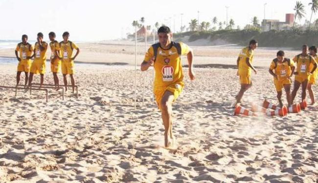 Já integrado ao elenco, atacante William treina normalmente e deve fazer estreia contra o América-MG - Foto: Esporte Clube Vitória | Divulgação