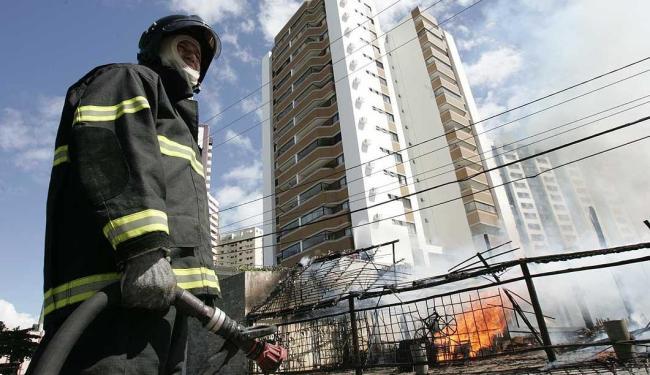 Na capital, estrutura dos Bombeiros é menos precária que no interior, onde faltam brigadas - Foto: Mila Cordeiro | Agência A TARDE