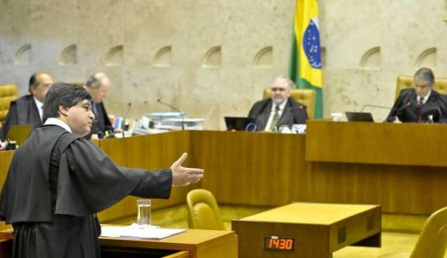 Advogado Marthius Sávio faz a defesa no STF de Henrique Pizzolato, ex-diretor de Marketing do BB - Foto: José Cruz   Agência Brasil