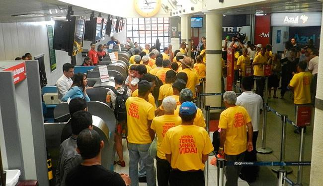 Manifestantes estão no local desde sexta-feira - Foto: Blog Correia Neles | Reprodução