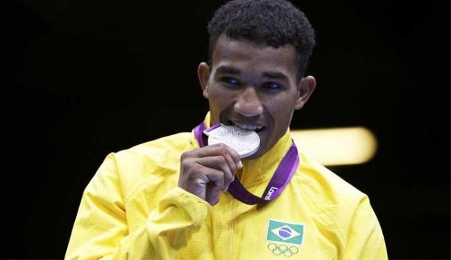 Entre os pontos de atenção estão as 3 medalhas conquistadas no boxe, uma delas por Falcão Florentino - Foto: Damir Sagolj   Agência Reuters