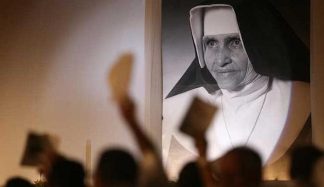 Irmã Dulce foi beatificação em cerimônia realizada em maio de 2011 - Foto: Raul Spinassé   Ag. A TARDE
