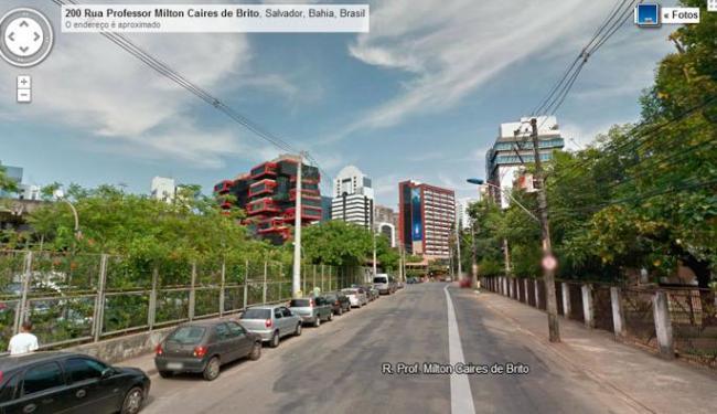 Imagem da Rua Milton Cayres de Brito, onde fica o jornal A TARDE - Foto: Reprodução | Google Street View