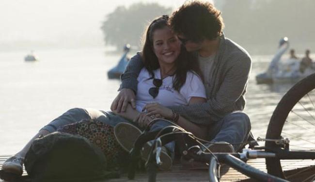 Romance entre Ju e Dinho é cercado por dilemas e uma fotografia de encher os olhos do telespectador - Foto: Divulgação | TV Glboo