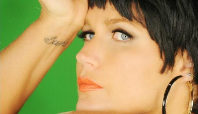 A apresentadora vai pintar os cabelos nesta quarta-feira (22) - Foto: Reprodução