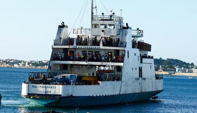 Apenas caminhões utilitários de um eixo podem embarcar a bordo do ferry - Foto: Fernando Vivas | Agência A TARDE