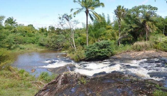 Formada pelo Rio Copioba, cachoeira de 3 m é seguida de corredeiras e poço natural - Foto: Roque Medeiros | Divulgação