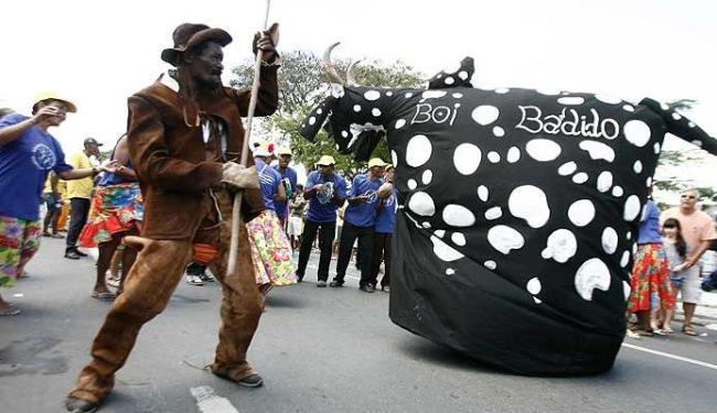 Grupos que valorizam a cultura de raiz participaram da caminhada em Feira de Santana - Foto: Luiz Tito   Agência A TARDE
