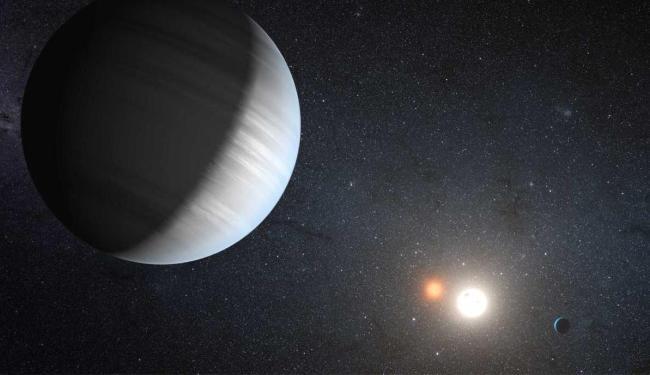 Os planetas do sistema Kepler-47 estão voando ao redor de um
