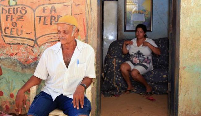De acordo com a representante da comunidade, moradores brigam pelas terras há 42 anos - Foto: Marco Aurélio Martins   Ag. A TARDE