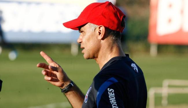 Jorginho comanda treino coletivo só com reservas e ainda não define time que pega o São Paulo - Foto: Fernando Amorim   Agência A TARDE