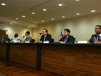 Tom do debate foi de muitas promessas, críticas e poucas propostas - Foto: Fernando Amorim | Agência A TARDE