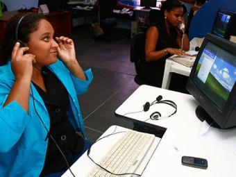 Há oportunidades para diversas áreas, incluindo operador de telemarketing - Foto: Iracema Chequer | Ag. A TARDE