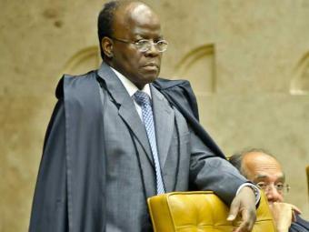 Sessão será retomada com a leitura do voto do ministro-relator da ação, Joaquim Barbosa - Foto: Agência Brasil