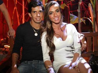 Nicole Bahls não quer conversa com o jogador Victor Ramos - Foto: Divulgação