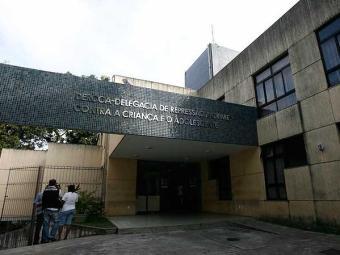 Agentes do Derca investigam média de 18 casos semanais - Foto: Raul Spinassé | Agência A TARDE