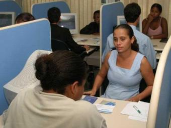 Candidatos devem apresentar alguns documentos para se candidatar a uma das vagas - Foto: Eduardo Martins | Ag. A TARDE