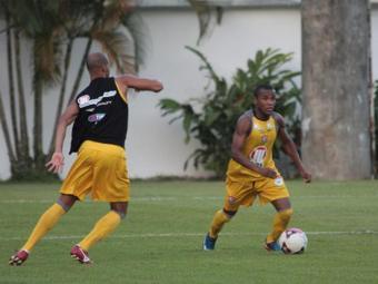 Sem Tartá, a tendência é que Willie retorne ao time - Foto: Divulgação/E.C. Vitória