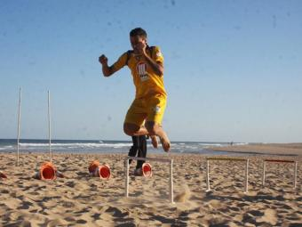 Calor e areia exigem do físico dos atletas rubro-negros - Foto: Divulgação/E.C. Vitória