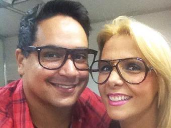 Xanddy e Carla Perez posam com óculos estilo Wayfarer - Foto: Reprodução | Instagram