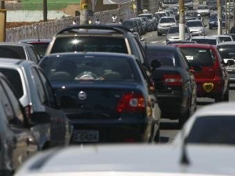 Trânsito pesado na cidade - Foto: Ag. A TARDE