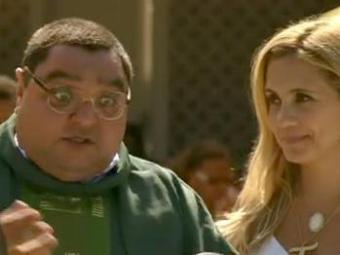 O religioso ajuda a vilã a desviar as verbas da ONG - Foto: Divulgação   TV Globo