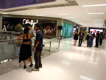Cerca de 80% das novas lojas já abrem as portas nesta sexta no Barra - Foto: Lúcio Távora | Agência A TARDE