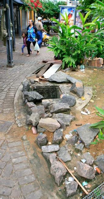 O que restou da fonte do Largo 2 de Julho, no Campo Grande - Foto: Fernando Amorim   Ag. A TARDE
