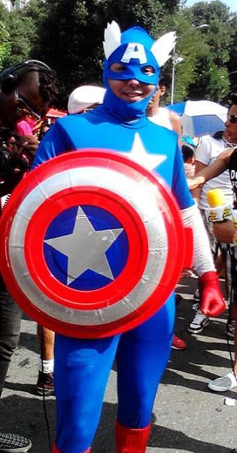 Moisés Veiga se apresentou como o Capitão América dos Homossexuais - Foto: Maíra Azevedo | Ag. A TARDE