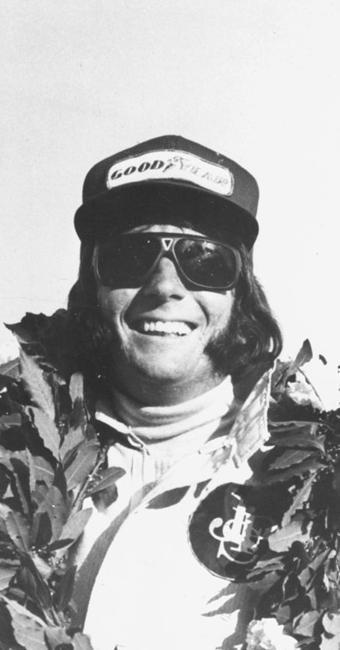 Aos 25 anos, Emerson Fittipaldi virou o piloto mais jovem até então a se tornar campeão mundial - Foto: Ag. A TARDE