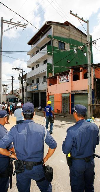 Proprietária terá de demolir o imóvel em até 15 dias, conforme a Sucom - Foto: Marco Aurélio Martins | Agência A Tarde