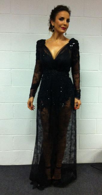 Cantora posa com a roupa que vestiu no prêmio - Foto: Divulgação   Multishow