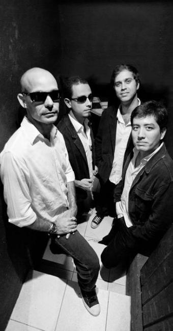 Banda é conhecida por utilizar no repertório clássicos do rock internacional e nacional - Foto: David Campbell   Divulgação