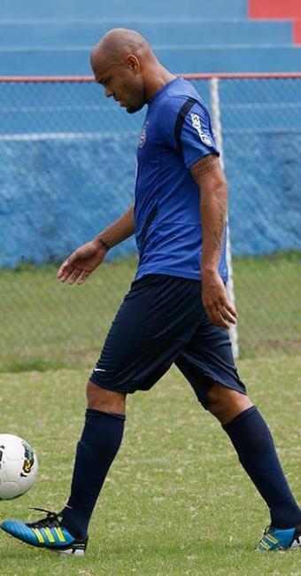 Atacante tricolor sofre lesão de grau 2 na coxa direita e fica afastado por até três semanas - Foto: Gildo Lima | Agência A TARDE