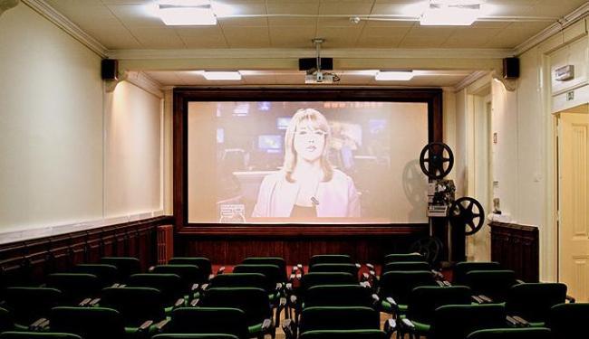 Plano prevê a abertura de salas públicas e o funcionamento de projetos de cinema itinerante - Foto: Divulgação